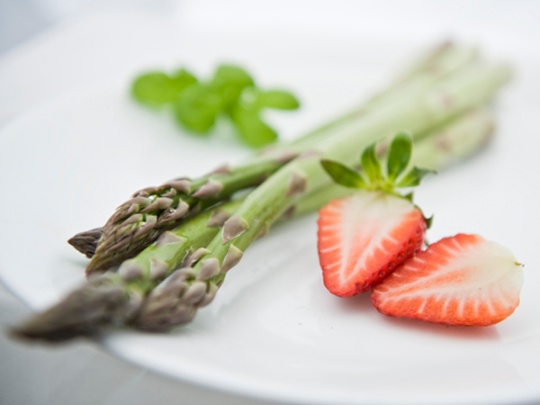 Spring foods asparagus and strawberries