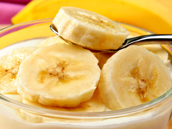 Sliced bananas for parfait
