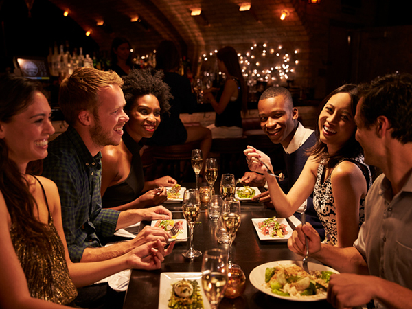 restaurant - 7 Tips for Healthy Dining Out