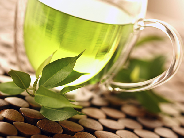 tea and herbs - 4 Metabolism Myths and Facts