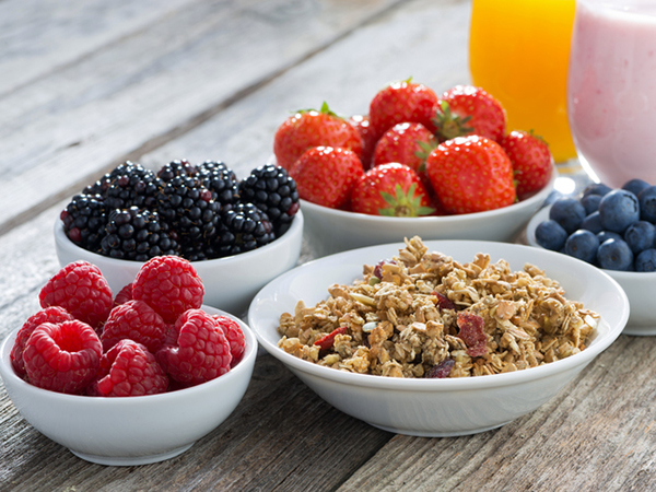 fruit and yogurt - 5 Tips to Kick Bad Eating Habits to the Curb