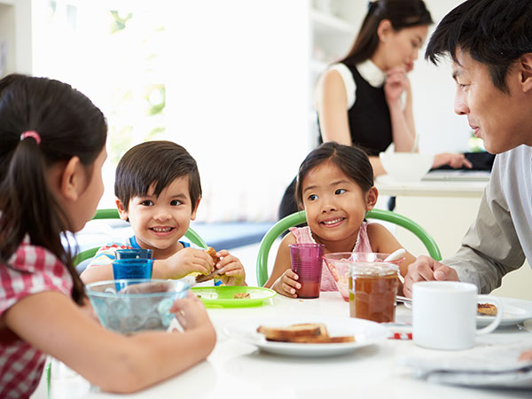 What and How Much Should My Preschooler Be Eating?