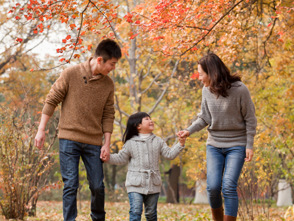 Family enjoying autumn - 4 Fall Foods for Your Family