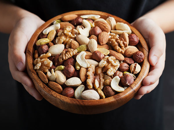 Reaching for nuts - Can My Child with Diabetes Child Eat Nuts?