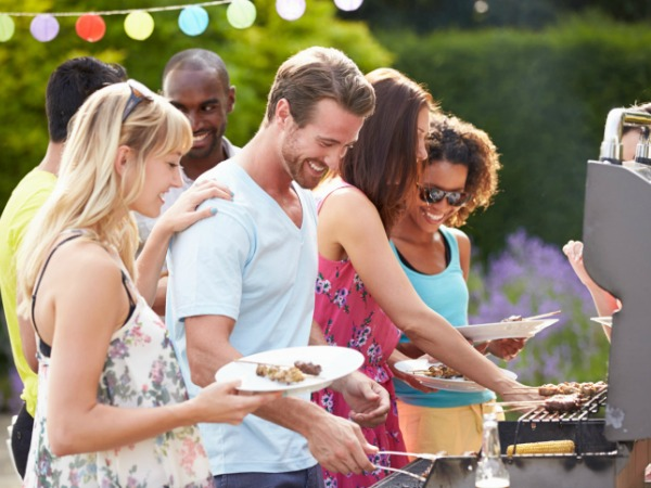 Outdoor Grilling with Friends - 5 Tips for a Healthy Independence Day Party