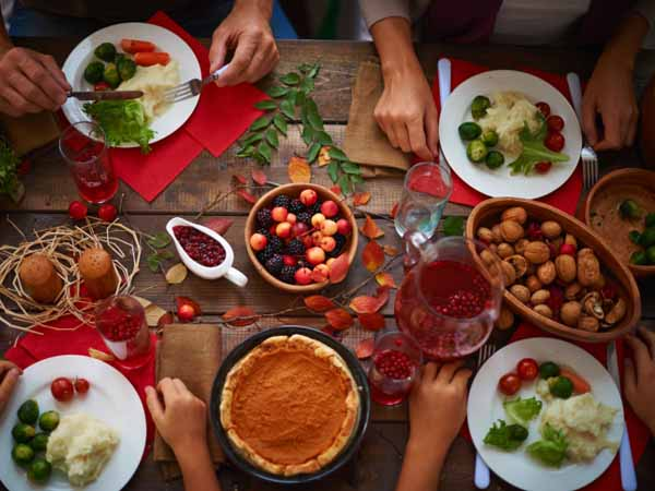 holiday dinner - Stay Mindful with 4 Tips for Holiday Eating