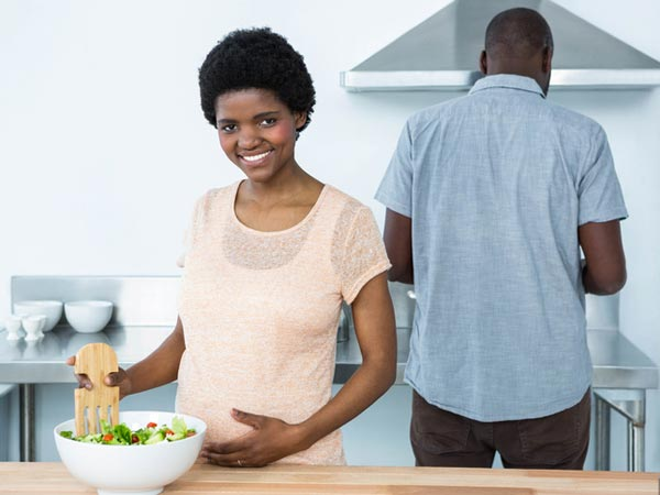 /-/media/eatrightimages/health/pregnancy/prenatalwellness/food-safety-risks-pregnant-women-845292484.jpg