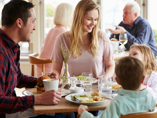 6 Tips for Dining Out without Blowing Your Nutrition Plan