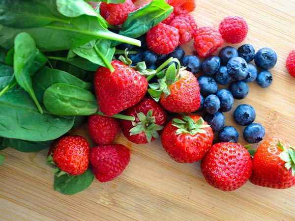 Berries and Spinach Smoothie Recipe